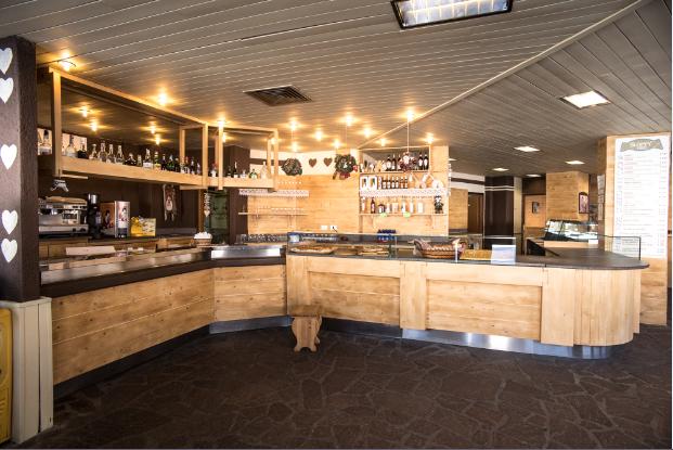 Arredamento Bar Legno.Falegnameria Agostini Arredo In Legno